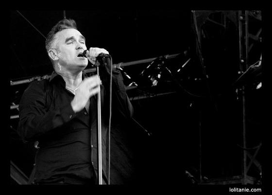 Morrissey performing at the 2006 Eurockéennes de Belfort festival. © jm luneau © lolitanie.com