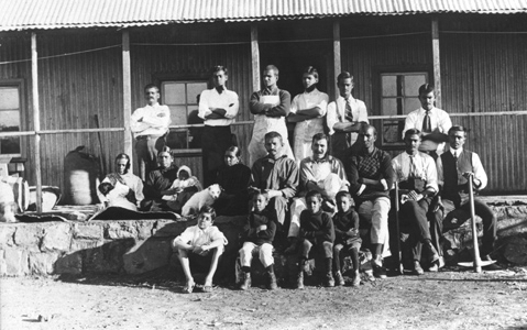 Members of the Tolstoy Farm created by Gandhi in South Africa (1910). Wikimedia Commons / gandhiserve.org