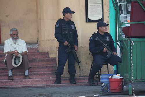 <i>La policía, Juárez, México</i> (2008). Photograph by Scazon / Flickr