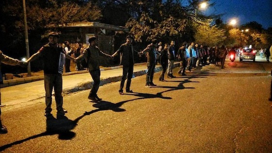 <i>Students form a human chain on the campus of Jawaharlal Nehru University, Delhi, in February 2016</i>. Photograph by Sujatro Ghosh / Indian Writers Forum
