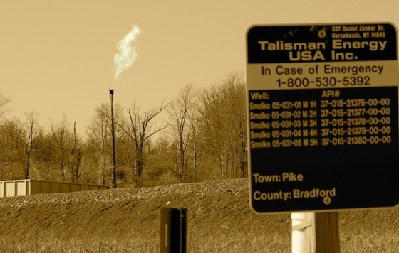 <i>Fracking Site in Warren Center, PA</i>. Hatchingfuture / Wikimedia