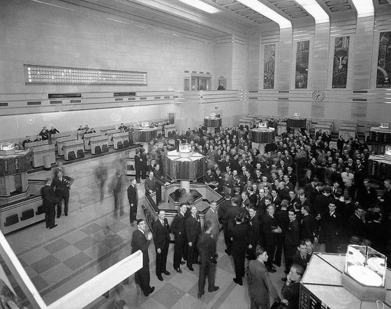 <i>The Toronto Stock Exchange, 1937</i>. Photograph courtesy of Alexandra Studios / Wikimedia Commons