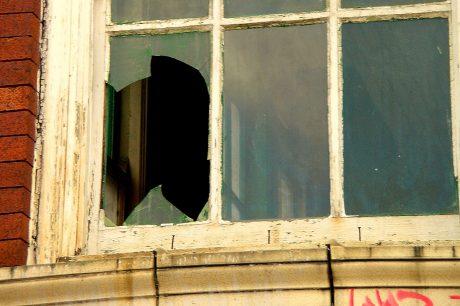 Broken-Window_the-Visionary-Agency_crop