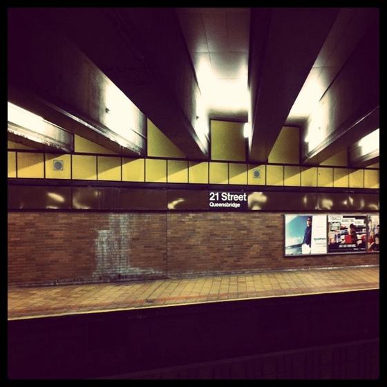<i>21st Streeet/Queensbridge</i>. Photograph by Ian Wescott / Flickr
