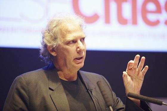 <i>Ricky Burdett at the 2012 DLDcities Conference, London</i>. © Graham Trott / Hubert Burda Media