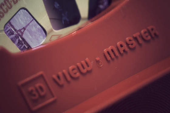 <i>3-D View-Master</i>. Photograph by Jonas Tana / Flickr